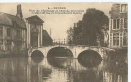 Brugge - Bruges - 1 - Pont Du Béguinage Et L'Entrée Principale - Begijnhofbrug En Bijzondere Ingang - Brugge
