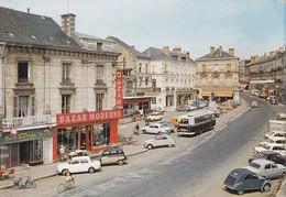 Carte 1968 SABLE SUR SARTHE / LA PLACE RAPHAEL ELYSE (bus , Voiture , 2 Chevaux,bazar Moderne,prisunic) - Sable Sur Sarthe