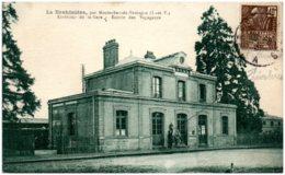 35 LA BROHINIERE Par Montauban-de-Bretagne - Extérieur De La Gare - Entrée Des Voyageurs - Frankrijk