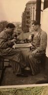 JEU - ECHECS - CHESS - ECHECS  Men Playing In Hospital - Old Soviet Photo 1930s - Echecs