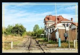 08  RILLY  Aux  OIES  .... La  Gare Et Le  Passage  A Niveau - France