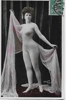 CPA - PHOTOGRAPHIE FOLIES-BERGERE / WALERY PARIS (S. XIX) - Cabaret