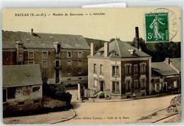 52977076 - Saclas - France