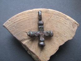Medieval Europe. Bronze Cross 9-12 Century - Archéologie