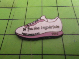 811i Pin's Pins / Rare & De Belle Qualité : THEME SPORTS / ATHLETISME NAPOLEON LES FOULEES IMPERIALES FONTAINEBLEAU 1992 - Athletics