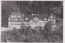 CL / CPSM 9X14. ALLEMAGNE. Hôtel Am Berg (Urach) - Bad Urach