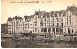 14 - CABOURG - LE GRAND HOTEL - FACADE SUR LA MER /// 1169 - Cabourg