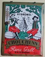 Rare Ancienne Plaque Tôle Chouchen Hydromel René Gall Rosporden Avec Thermomètre Costume Breton - Liqueur & Bière