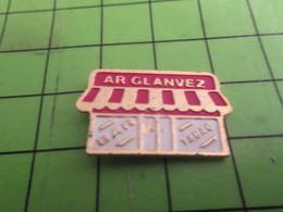 812G Pin's Pins / Rare & De Belle Qualité : THEME MARQUES / BAR TABAC AR GLANVEZ La Glandouille Des Bonnets Rouges - Marques