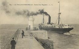 CP LA PALLICE-ROCHELLE SORTIE D'UN PAQUEBOT - La Rochelle