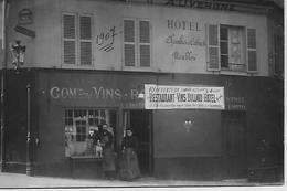 75 PARIS RUE VALETTE HOTEL RESTAURANT D'AUVERGNE  CARTE PHOTO  Avec Les Propriétaires - Cafés, Hôtels, Restaurants