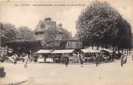 ROUEN - Place Des Emmurées - La Rotonde, Un Jour De Marché - Rouen