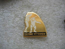 Pin's Du Club D'Escrime De La Ville De WITTENHEIM (Dépt 68) - Escrime