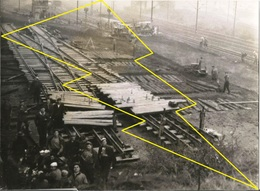 ° PHOTO   ° HAYANGE  OU ENVIRON ° CONTRUCTION  Ligne Se Chemin De Fer  ° USINE ° SIDERUGIE °°  N°  Ph 8 ° - France
