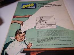 ANCIENNE PUBLICITE LA NAPPE LA PLUS PROPRE  LESSIVE OMO 1959 - Autres
