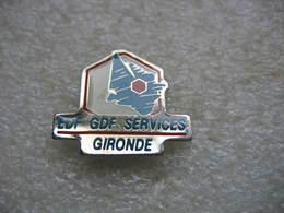 Pin's EDF-GDF Services De GIRONDE - EDF GDF