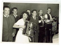 Accordéon - Photo Originale Dédicacée D'Yvette Horner Format 12x17 - Bon état - Instruments De Musique
