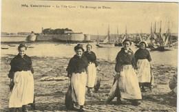 CONCARNEAU  FINISTERE  29  CPA     - REPRODUCTION -  UN ARRIVAGE DE THON - Concarneau