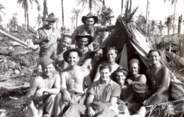 WWII Los Negros Soldats Australiens RAAF Pres De L'aeroport De Momote Ancienne Photo 1944 - War, Military