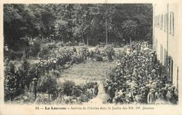 07 LA LOUVESC Arrivée Des Pélerins Dans Le Jardin Des RR. PP. Jésuites CPAPaillet N°81 - La Louvesc