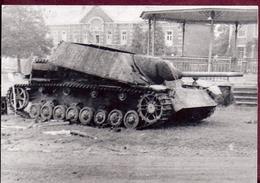 Montzen Repro Format Cp Tank Allemand Panzer Detruit12/09/1944 WwII Sur La Place (legende Au Dos) - Plombières