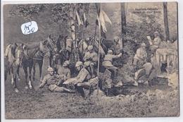 MILITARIA- KAVALLERIE-PATROUILLE- RASTEND ANS EINER QUELLE- ARMEE ALLEMANDE- CASQUES A POINTE - Regimenten