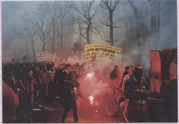 CPM - PARIS - Manifestation Des CHEMINOTS Bd Beaumarchaix 12/12/1995 ...Photo JF Neudin - Edition Club Neudin - Syndicats