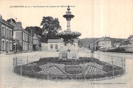 76 Cpa 76] Seine Maritime   Lillebonne La Fontaine De La Place De L'hôtel De Ville - Lillebonne