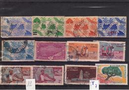 Thematiques Lots De 12 Timbres Afrique Djibouti Côte Française Des Somalis Ou Autres à Découvrir - Djibouti (1977-...)