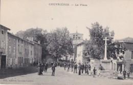 CHEVRIERES     LA PLACE   SORTIE DE LA MESSE - Frankrijk
