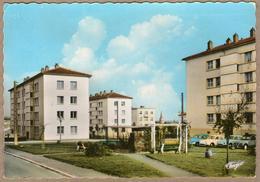 79 / SAINT-MAIXENT-L'ÉCOLE - Cité HLM Du Panier Fleuri + Voitures Dauphine, 2 CV... (années 60) St - Saint Maixent L'Ecole