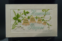 CPA Carte Fantaisie Brodé Ancienne Heureuses Pâques - Embroidered