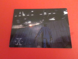 1-25  TRADING CARD TOPPS SERIE TELE X-FILES MULDER SCULLY : N°62 SAISON UNE COLLECTION DE SECRETS - X-Files