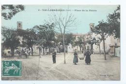 Cpa -   Dpt  -  Gard - Vallabregues -  - Place De La Mairie -  Animation  -  (  Selection  )   Rare  1910 - France