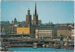 Stockholm - Slussen Och Gamla Sta'n: BOATS & SHIPS, CARS, VOLVO 145, VW 1500 VARIANT - Zweden