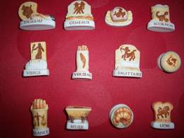 Lot Complet De 12 Fèves Astrologie Du Boulanger - Fèves