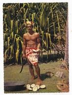 Carte Postale Tahiti Préparation Du Coprah - Polynésie Française