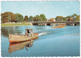 Karlstad. Tingvallabron: 'LUSTEN 14' Timmersläp Pa Klarälven - Timber-transport By Boat 'Lusten 14' - Zweden