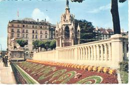 POSTAL     GENEVE  -SUIZA  - LES PARTERRES FLEURIS DU MONUMENT BRUNSWICK - GE Genève