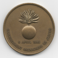 Netherlands: Garderegiment Grenadiers En Jagers. Military Coin, Medal - Medailles & Militaire Decoraties