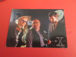 101-125  TRADING CARD TOPPS SERIE TELE X-FILES MULDER SCULLY : N°08 PERSONNAGES LES TIREURS SOLITAIRES - X-Files