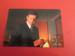 101-125  TRADING CARD TOPPS SERIE TELE X-FILES MULDER SCULLY : N°06 PERSONNAGES L'HOMME A LA CIGARETTE - X-Files