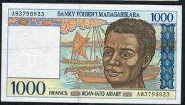 MADAGASCAR P76b 1000 FRANCS  1994 # A      Signature 5  XF-AU - Madagascar