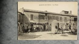 CPA-13-SAINT ESTEVE-La Place-Animée - Francia
