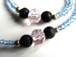 Cordon à Lunettes Artisanal, Perles Japonaises, Toho 11/0 White-lined Sapphir, Bleu Ciel, Rose, Pierre, Lave Noire, Cris - Bijoux & Horlogerie