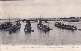 29 - Finistere -  Port Militaitre De BREST -   Torpilleurs En Station - Militaria - Brest