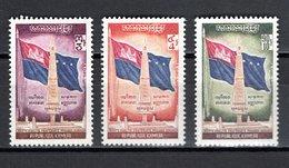KHMERE N° 278 à 280  NEUFS SANS CHARNIERE COTE 2.50€   DRAPEAU - Kampuchea