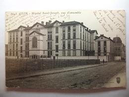 Carte Postale Lyon (76)  Hopital Saint Joseph,vue D'ensemble (Petit Format Noir Et Blanc Circulée ) - Lyon 7