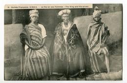 CPA - AFRIQUE OCCIDENTALE GUINEE FRANCAISE KINDIA Le Roi Et Ses Femmes ( THE KING AND HIS WIVES ) - Guinée Française