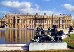 Versailles - Le Parterre D'eau Et La Facade Ouest Du Chateau - Formato Grande Viaggiata Mancante Di Affrancatura – E 9 - Cartoline